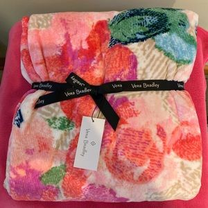 Vera Bradley NWT Throw Blanket 80x50